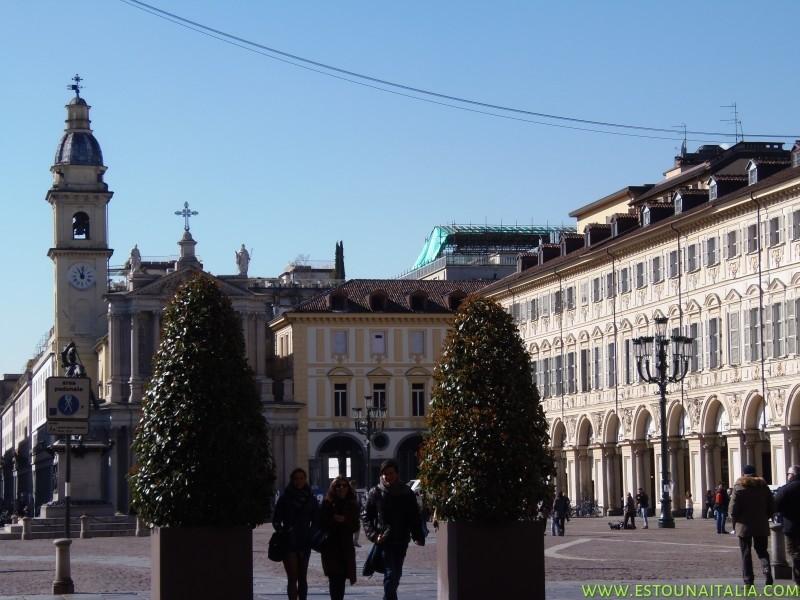 Piazza San Carlo com seus cafes historicos, foto de Marcia Bezerra