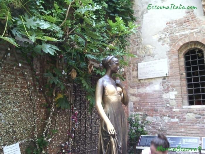 casa julieta estatua